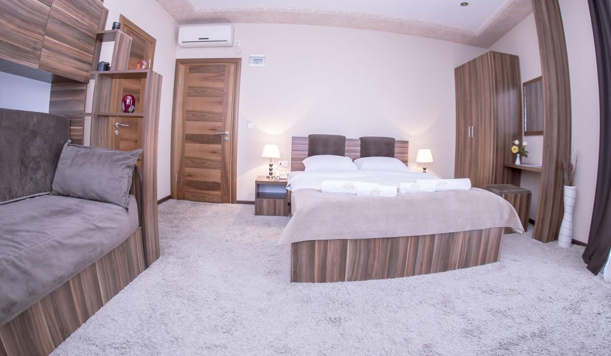 Triple Room Semitronix Hotel Peja